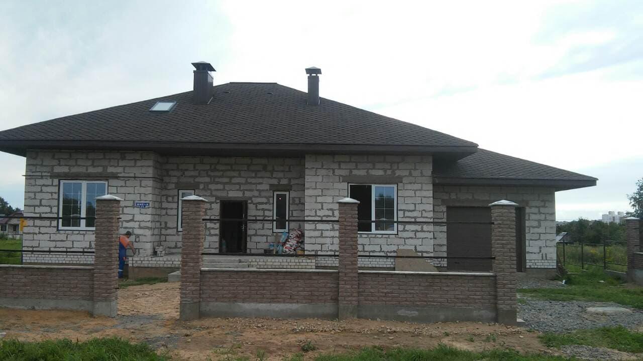 фото готового дома с гаражом
